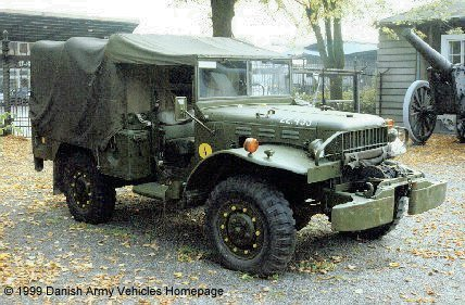 Dodge WC 52, 4 x 4, 12 V (Front view, right side)