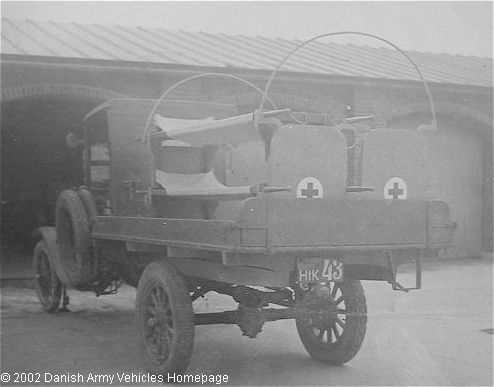 Ford  Ambulance 1918 (Rear view, left side)