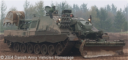 Leopard 2 AEV undergoing tests af Skive Barracks