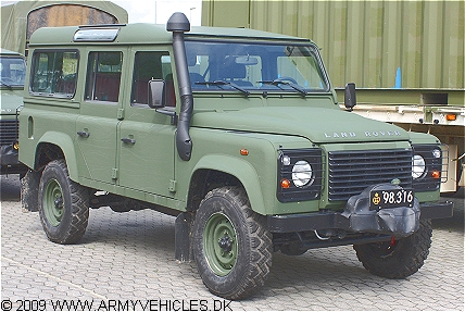 Landrover 110 Defender, 4 x 4, 12 V, D (Front view, right side)