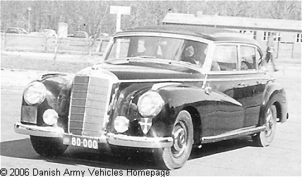 Mercedes 300, 4 x 2, (Front view, left side)