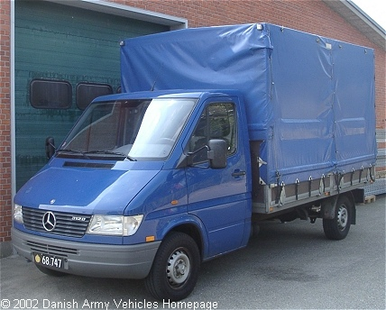 Mercedes 312, 4 x 2,12V (Front view, left side)