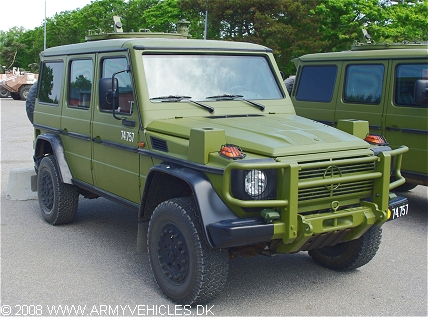 Mercedes G280CDI/28, 4 x 4, 12/24V (Front view, right side)