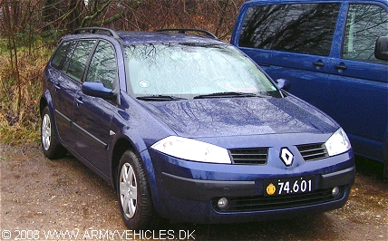 Renault Megane Touring, 4 x 2, 124 (Front view, right side)