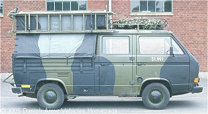 VW M247 Combi, 4 x 2, 12V, D (Side view, right side)